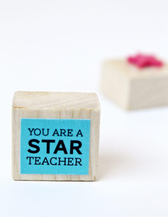 DIY Star Stamp Teacher Gift with FREE Printable via @PagingSupermom