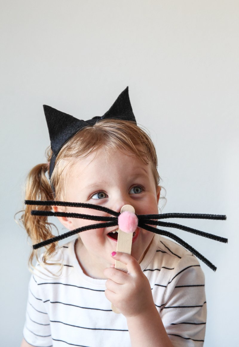 Girls Cat Costume via @PagingSupermom