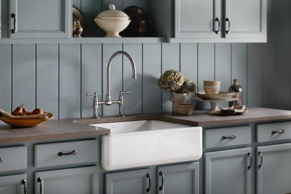 I love Kohler Cast Iron Farm Sinks seen on @PagingSupermom
