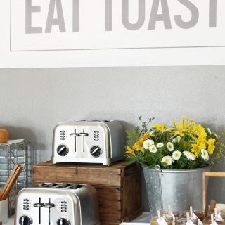How to Have a Toast Bar