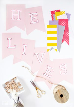 Free Printable Easter Banner from @PagingSupermom
