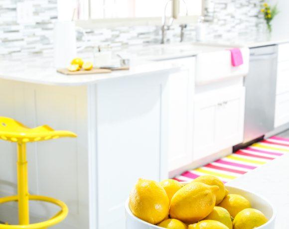 Best Homemade Lemonade Recipe via @PagingSupermom