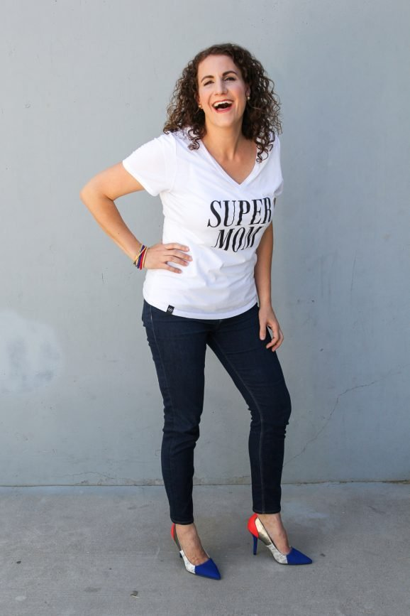 I want one of these Super Mom Tees designed by @PagingSupermom