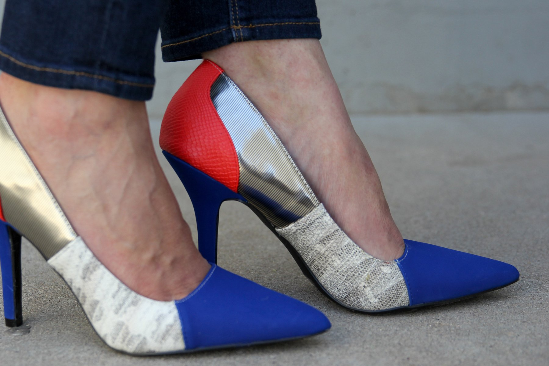 Love these fun superhero-inspired pumps via @PagingSupermom