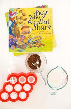 "Easy fudgsicle recipe for kids... it's a #BooksAlive activity for the book ""The Boy Who Wouldn't Share"" via @PagingSupermom"