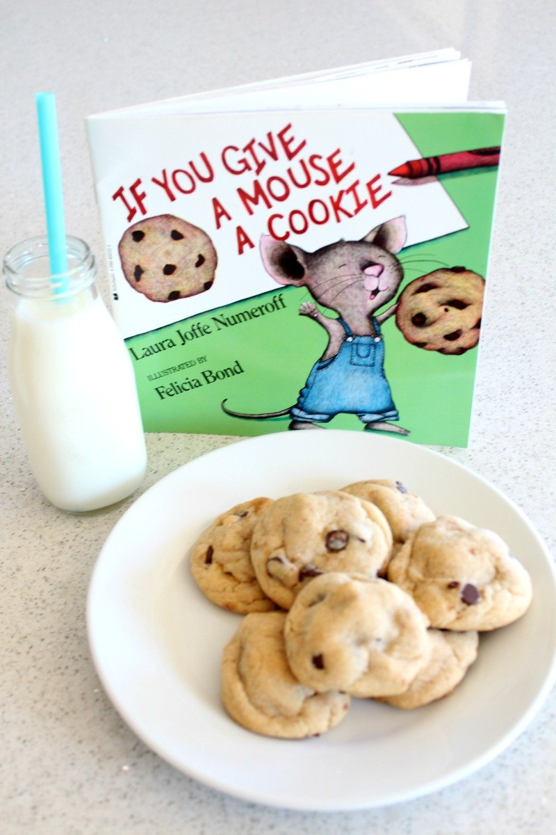 """Great Chocolate Chip Cookie recipe to go along with """"If You Give a Mouse a Cookie"""" #booksalive"""