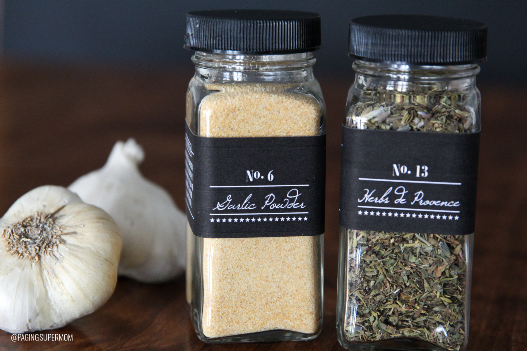 Give Garlic Powder to ward of Vampires -- clever Halloween Neighbor Gift Idea w/ FREE printable via @PagingSupermom