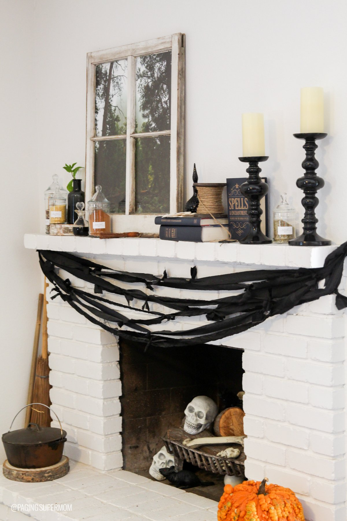 Set your Halloween Mantle like a Spooky Witch's Hearth via @PagingSupermom