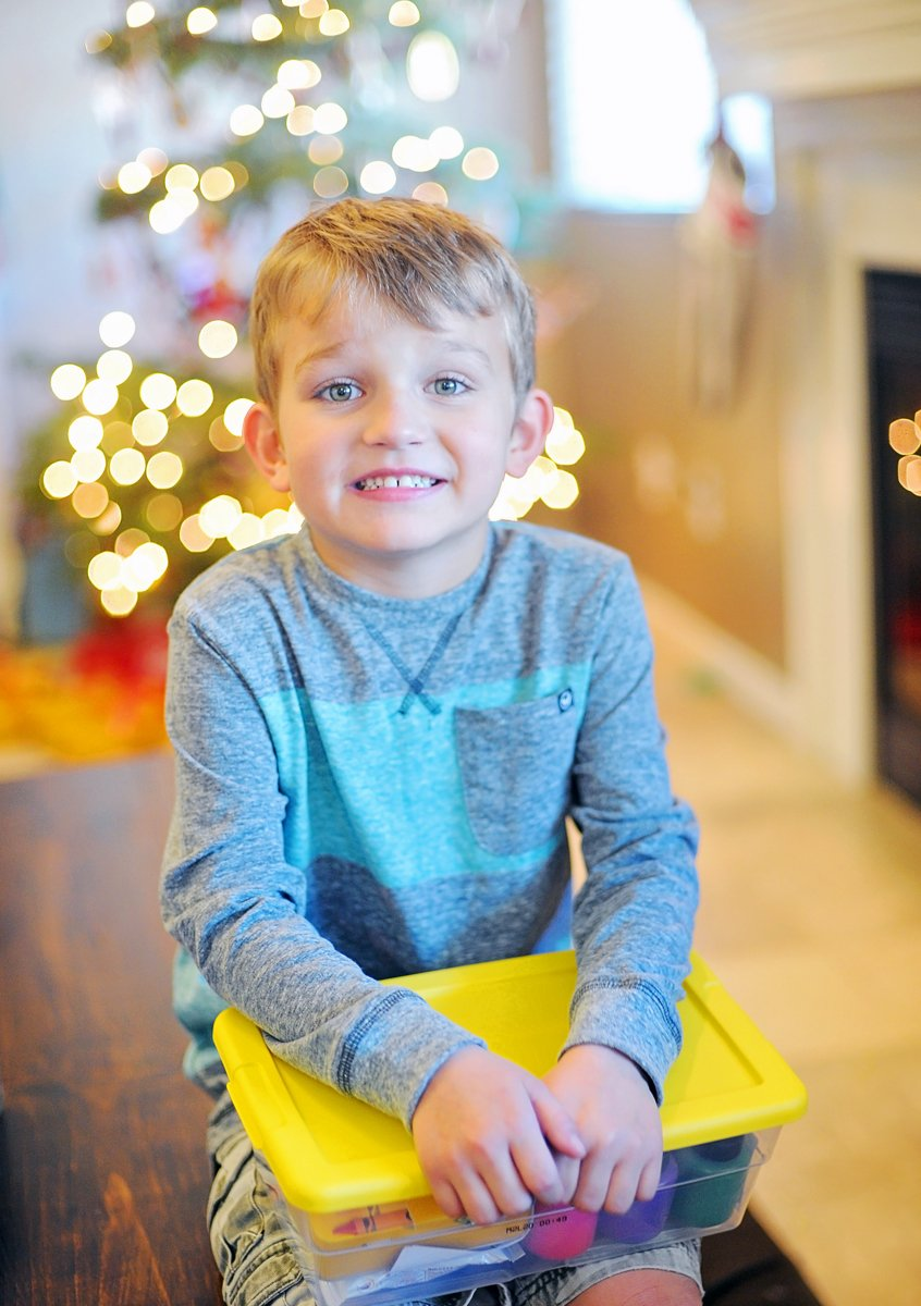 Ideas for How to Work Sibling Gifts in your Family via @PagingSupermom