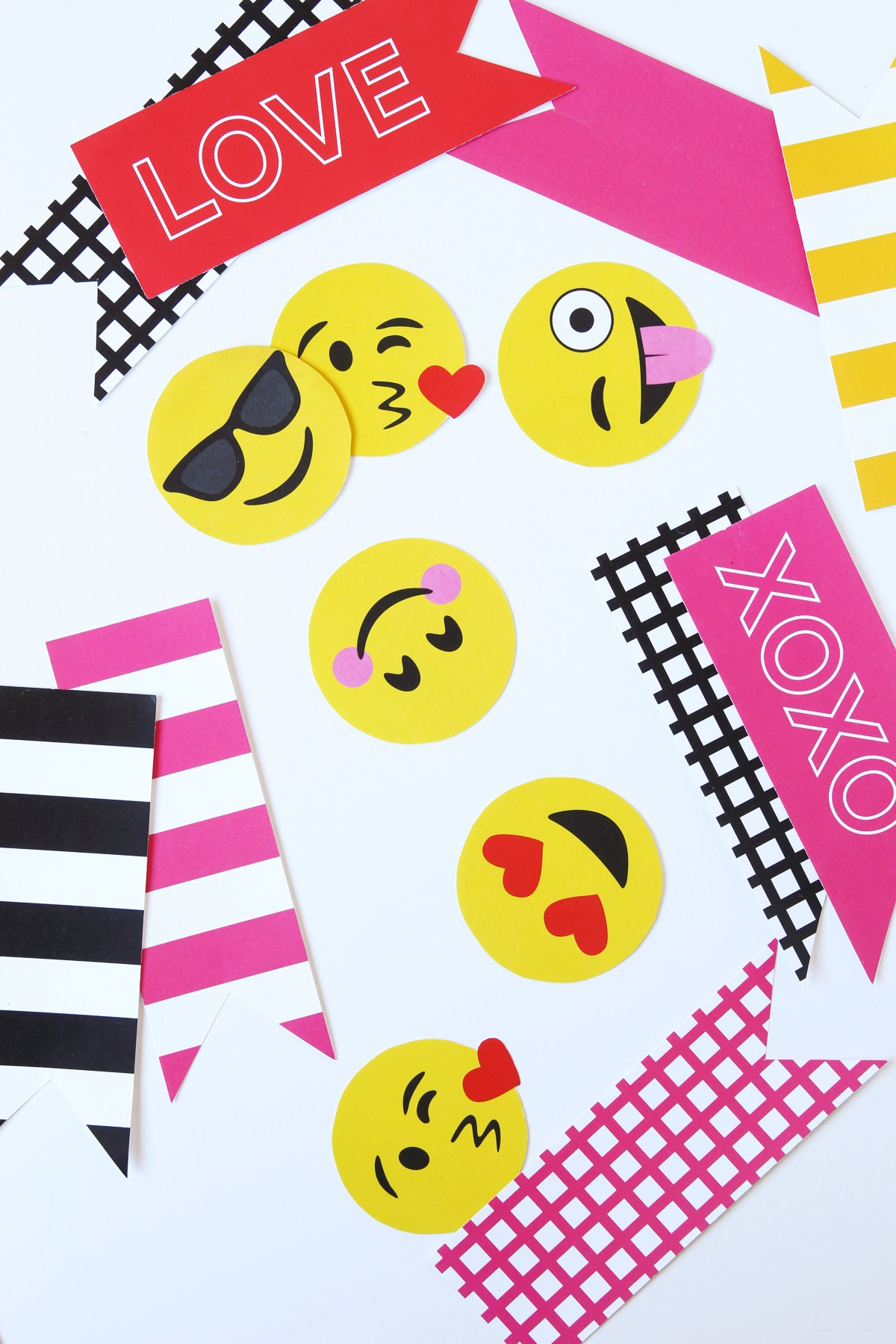 Super Cute Emoji Valentines Decor made easy with Paging Supermom