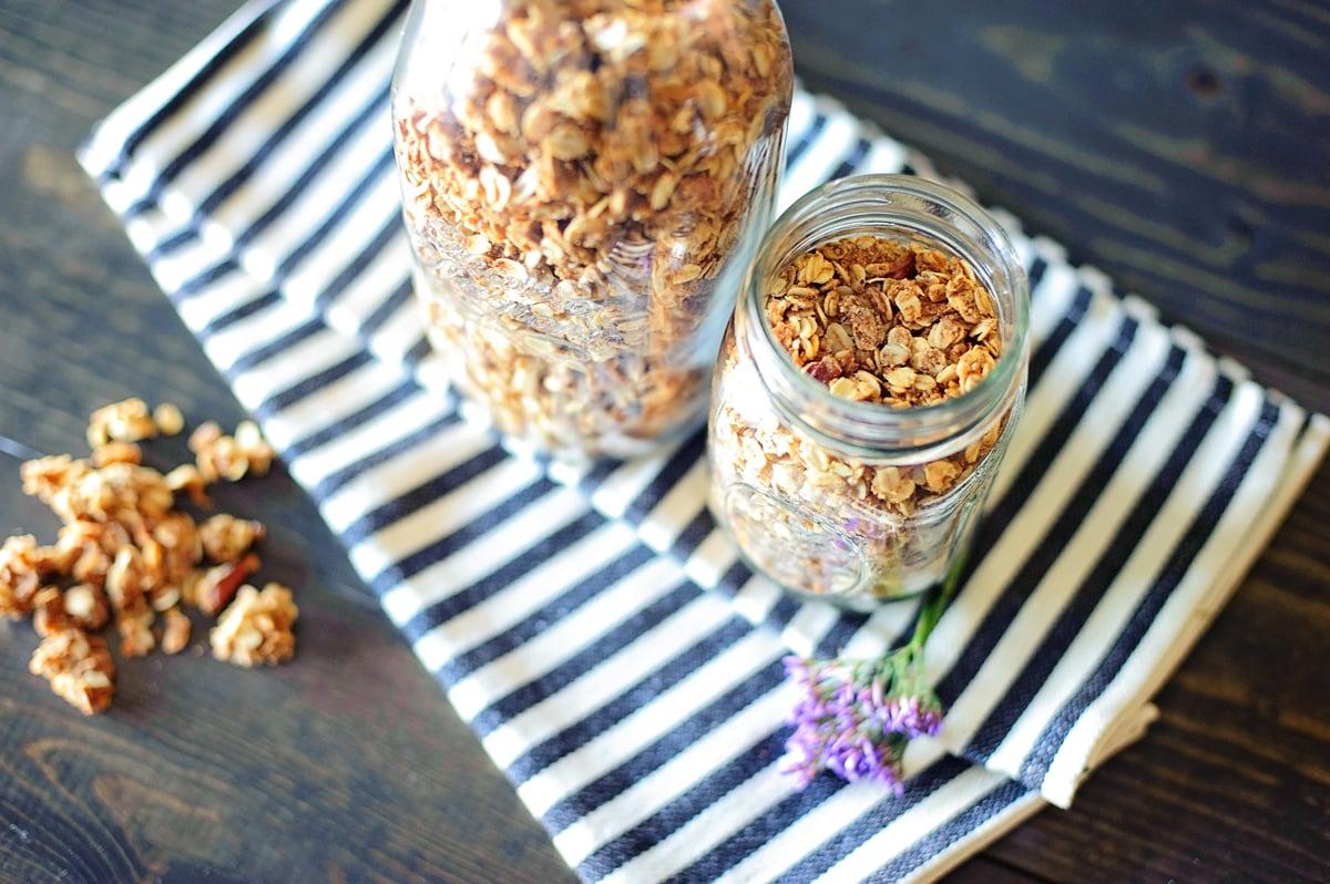 How to Make Healthy Granola Recipe via @PagingSupermom