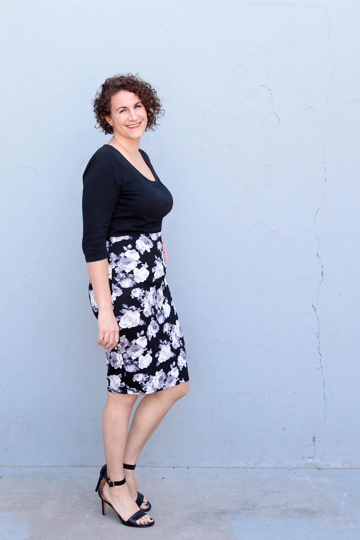 I love to wear a floral skirt with my favorite tee via @PagingSupermom