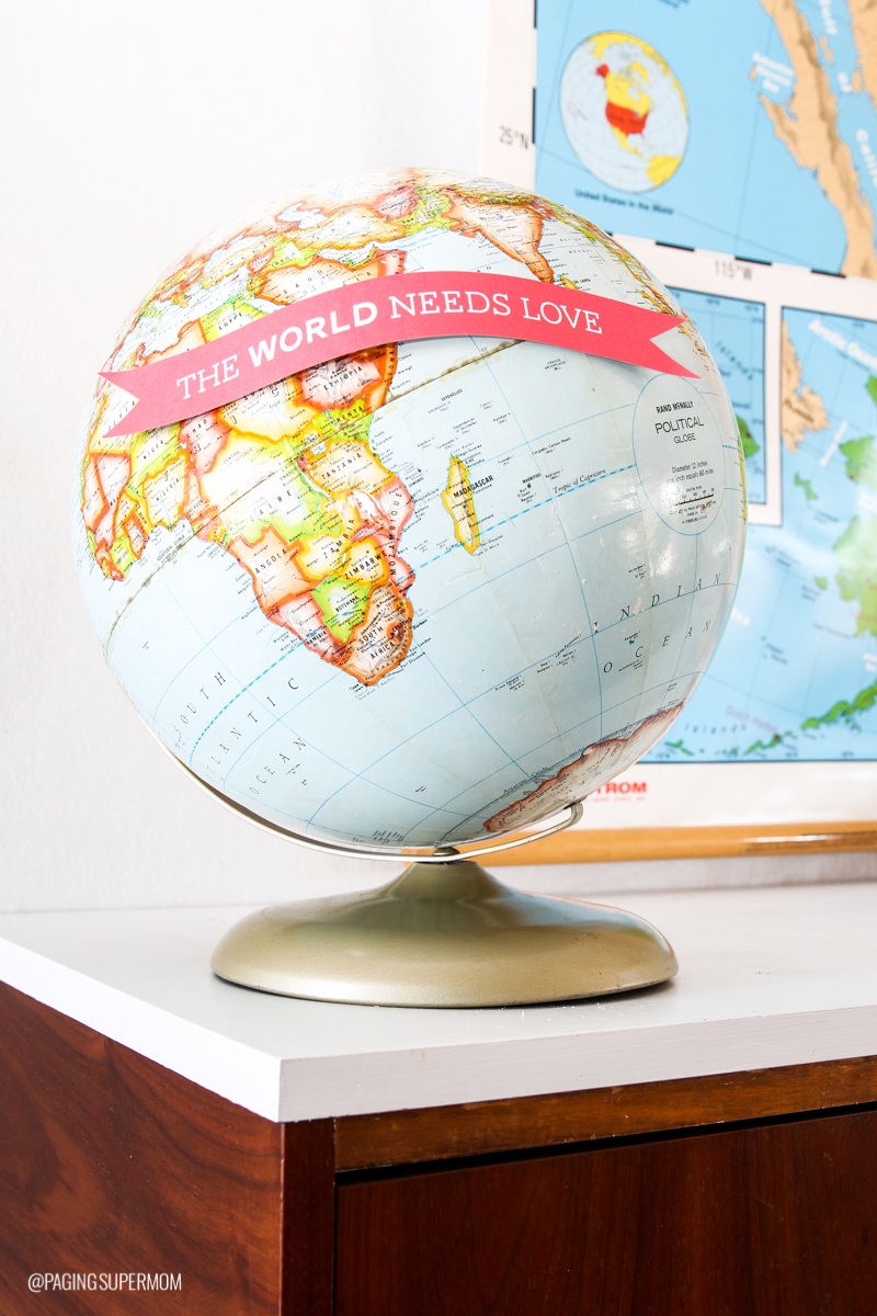 Easy Valentine's Decor -- just download this free printable globe banner template from @PagingSupermom