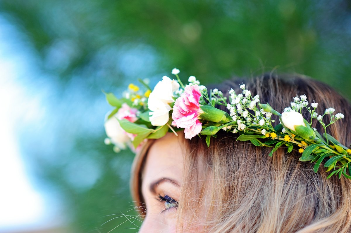 How to make a flower crown - tutorial for easiest flower crowns @PagingSupermom