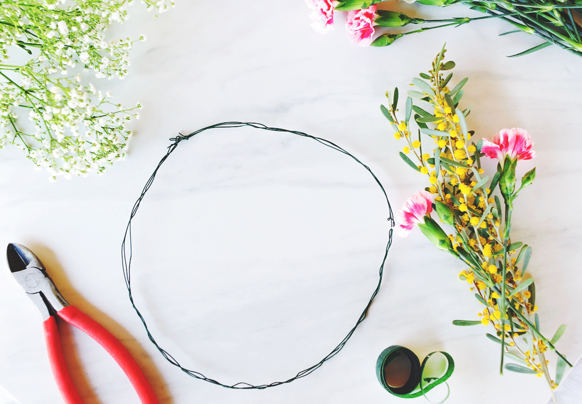 Make Flower Crowns with our Easy Tutorial @PagingSupermom