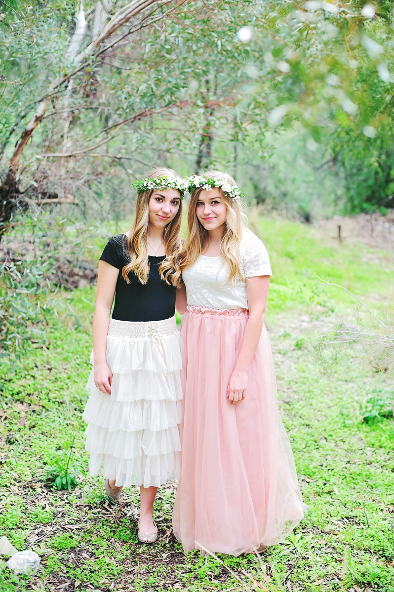 How to Make a Flower Crown Tutorial -- learn to make easy flower crowns @PagingSupermom