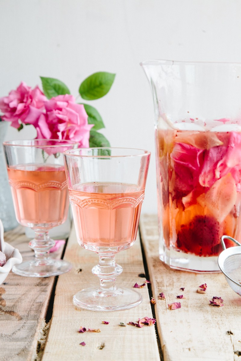 Rose Water - the Round Up of Rose Recipes via @PagingSupermom