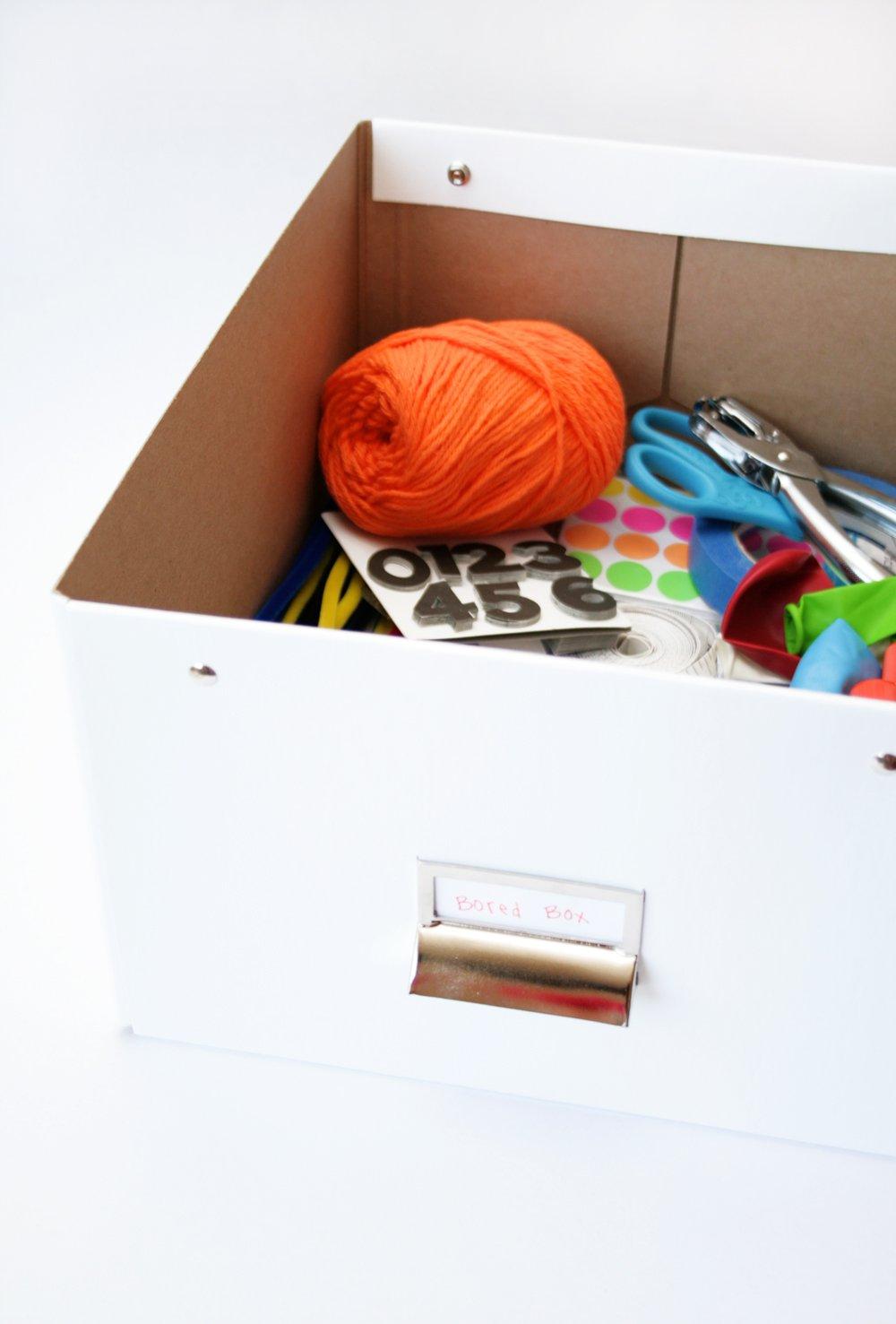 Make a Bored Box to Help Combat Summer Bordeom via @PagingSupermom