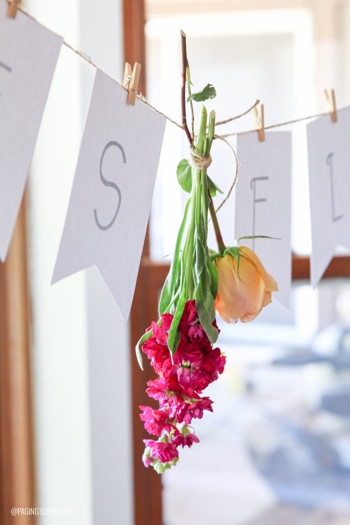 Des Fleur - Flower Arranging Party Banner via @PagingSupermom