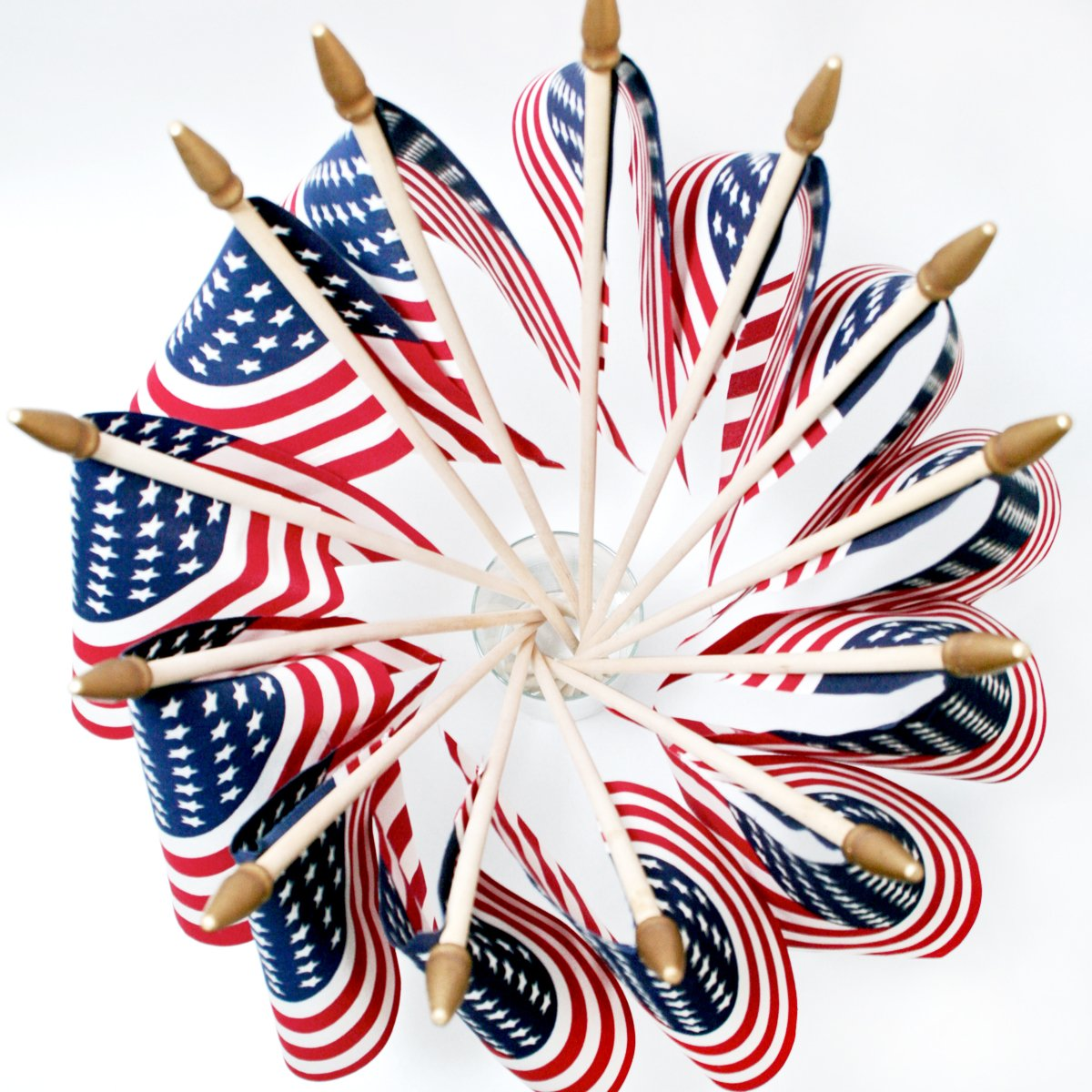 Easy July Fourth Centerpiece Ideas with Flags and a Vase via @PagingSupermom