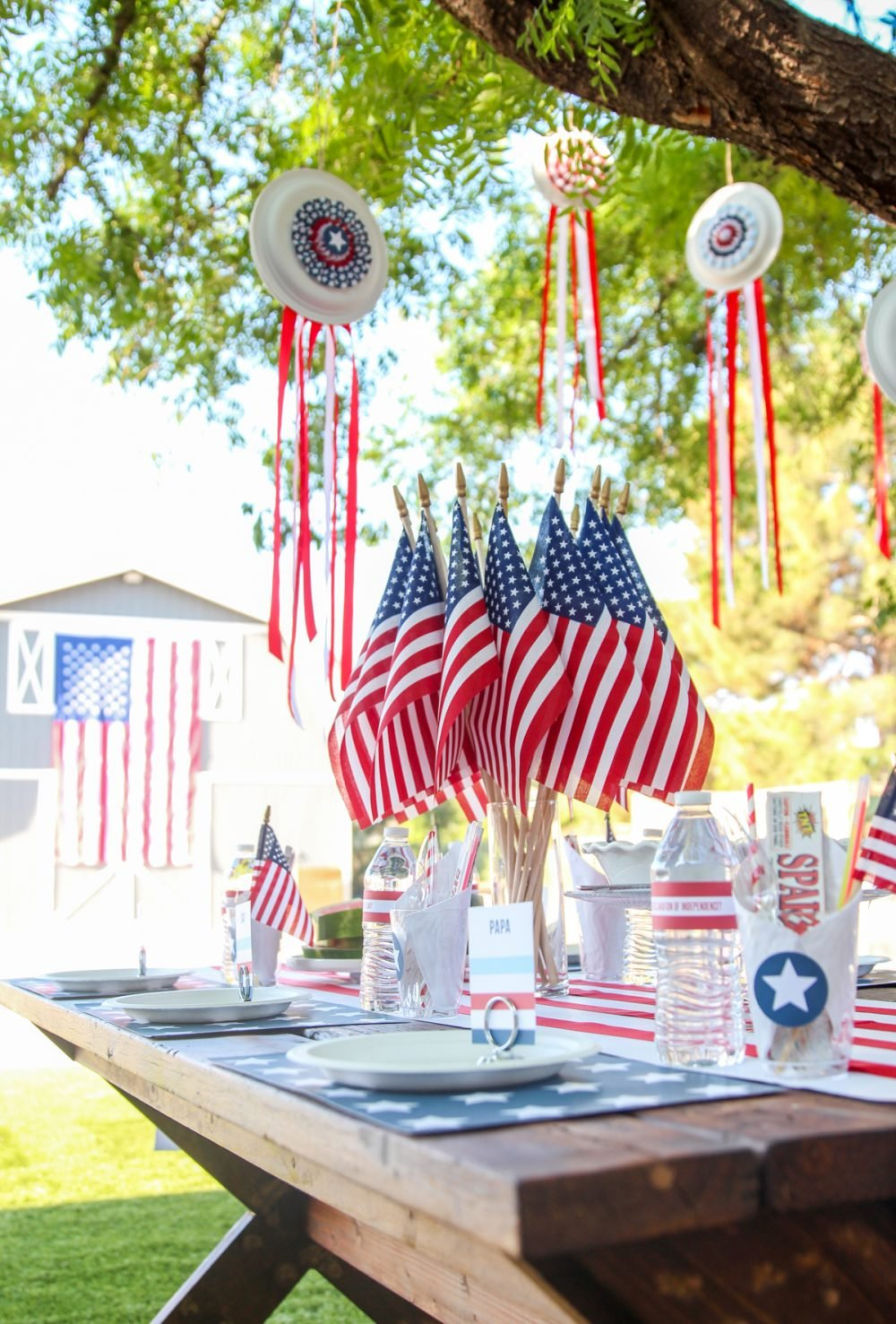 Easy July 4th Decor Ideas with free printable templates and tutorial from @PagingSupermom