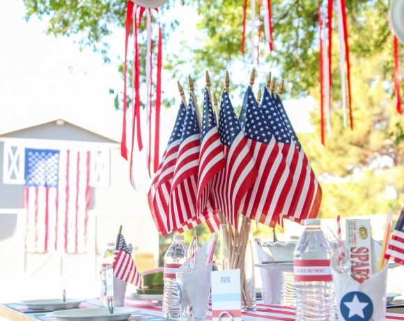 Printable July 4th Decor & Easy Summer Barbecues