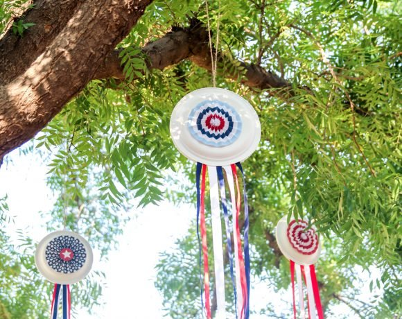 Easy July 4th Decor: Patriotic Paper Plate Pinwheels