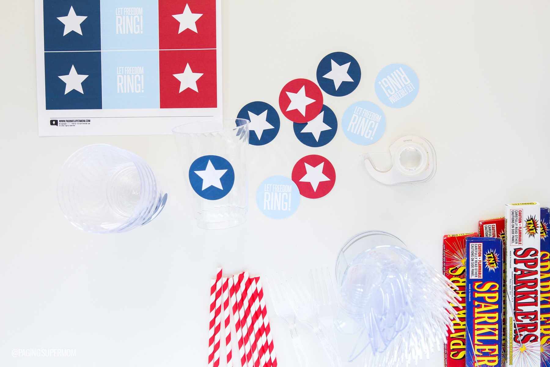 Make July 4th Goody Cups with FREE Printable Star template from @PagingSupermom