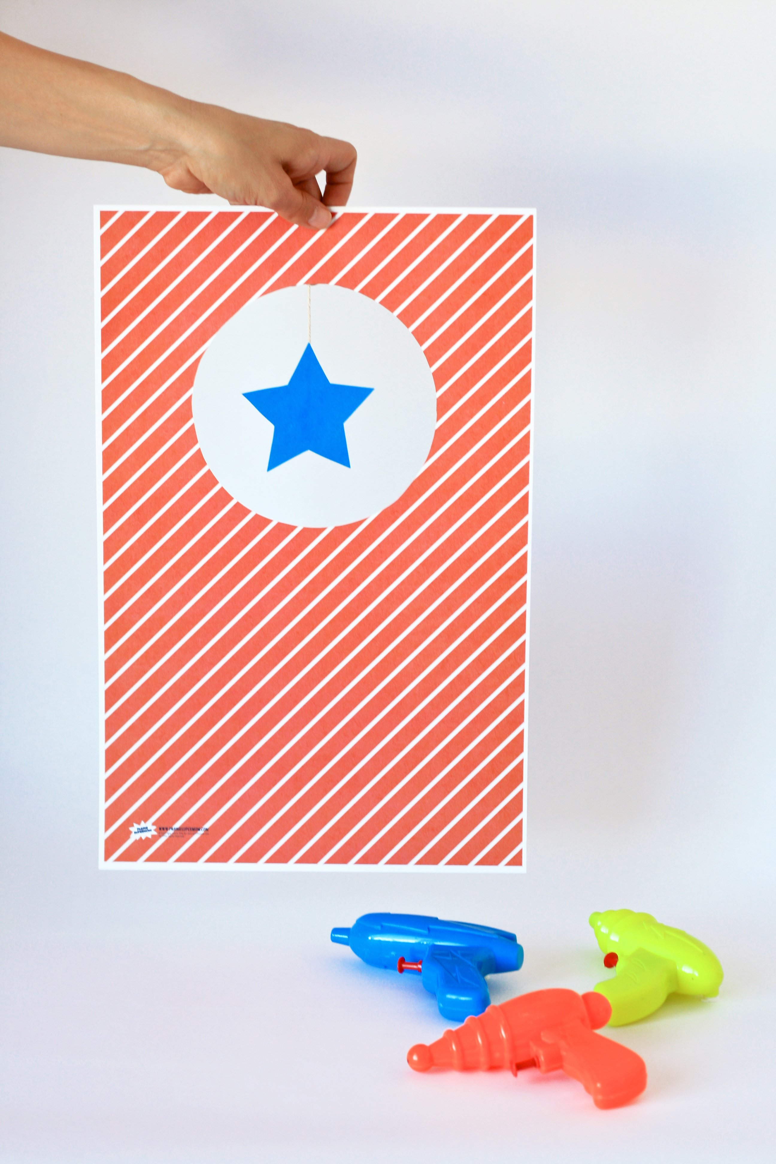 Summer Fun Ideas: Make Water Gun Targets - download the FREE printable template @PagingSupermom