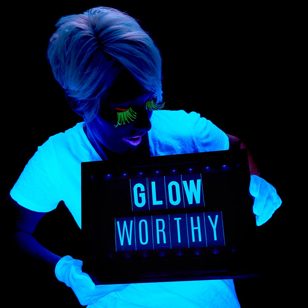 The ULTIMATE Black Light Party Guide - Heidi Swapp's Lightbox Glow!