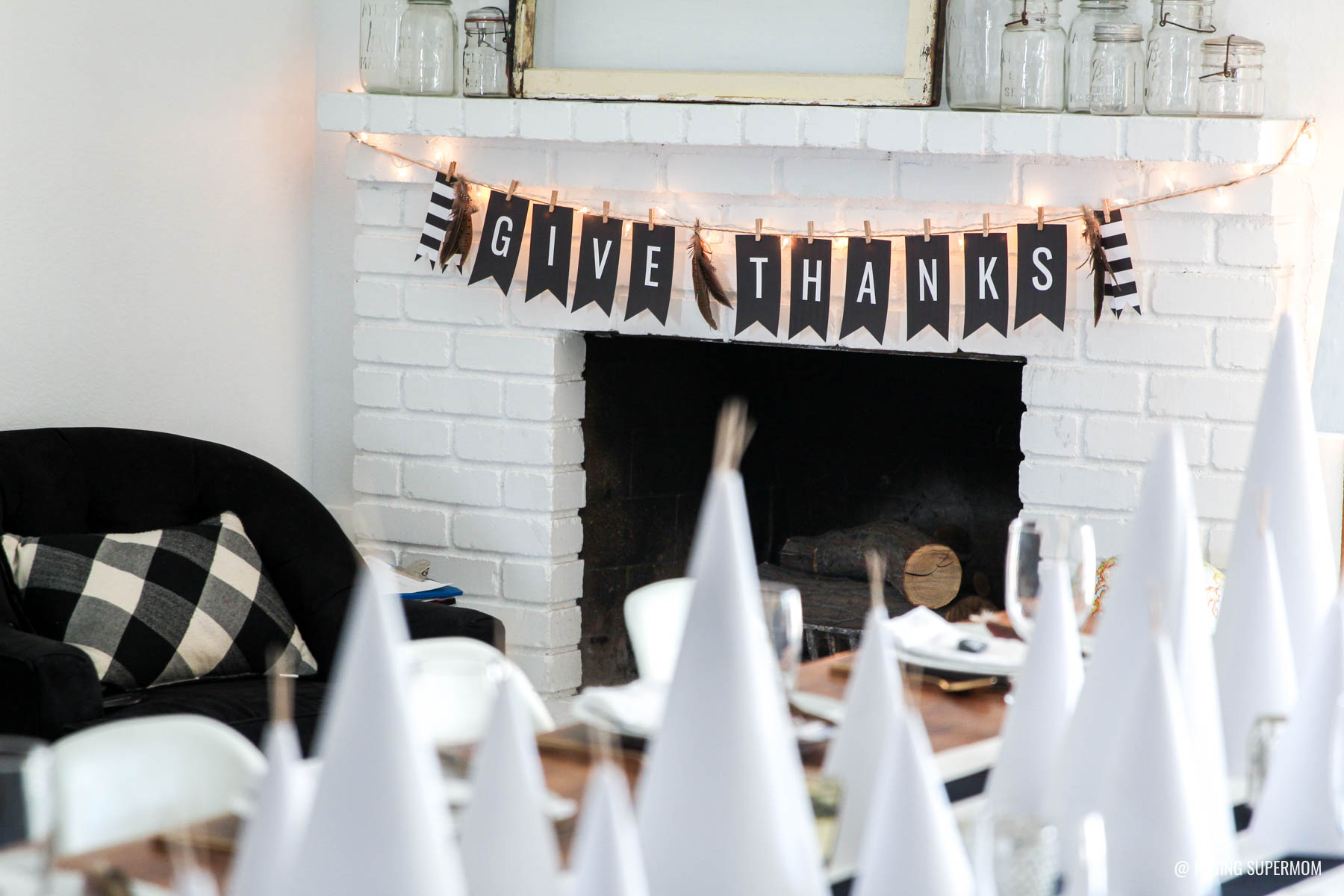 Simple Black and White Thanksgiving decor with free Thanksgiving Banner -- download the FREE