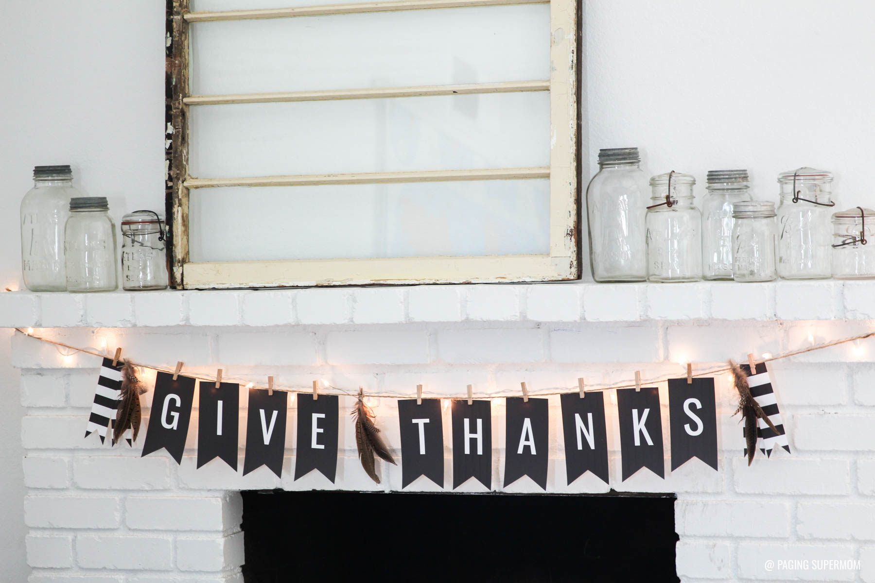 "Elegant Thanksgiving Banner - Get the FREE Printable Template for this ""Give Thanks"" banner from @PagingSupermom"