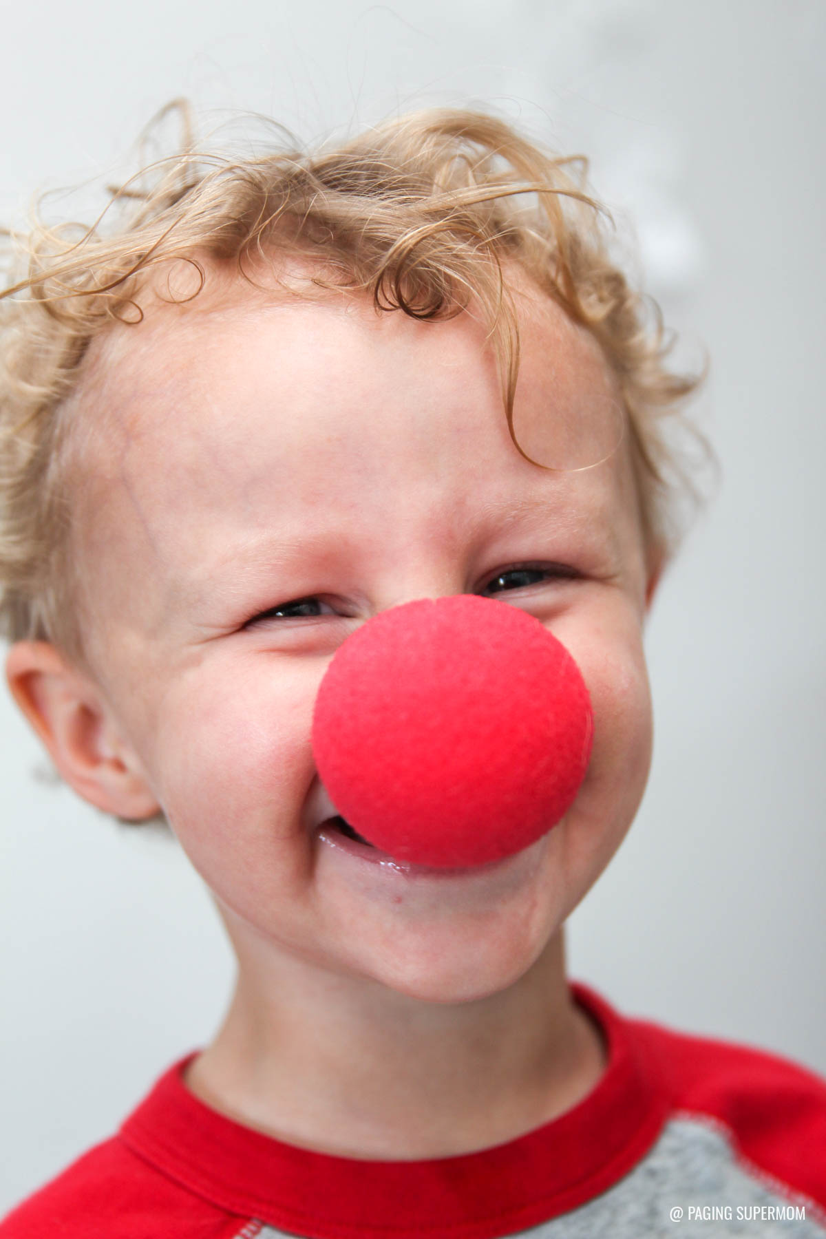 Clown Noses for Funny Kids Valentines. Get the FREE template @PagingSupermom