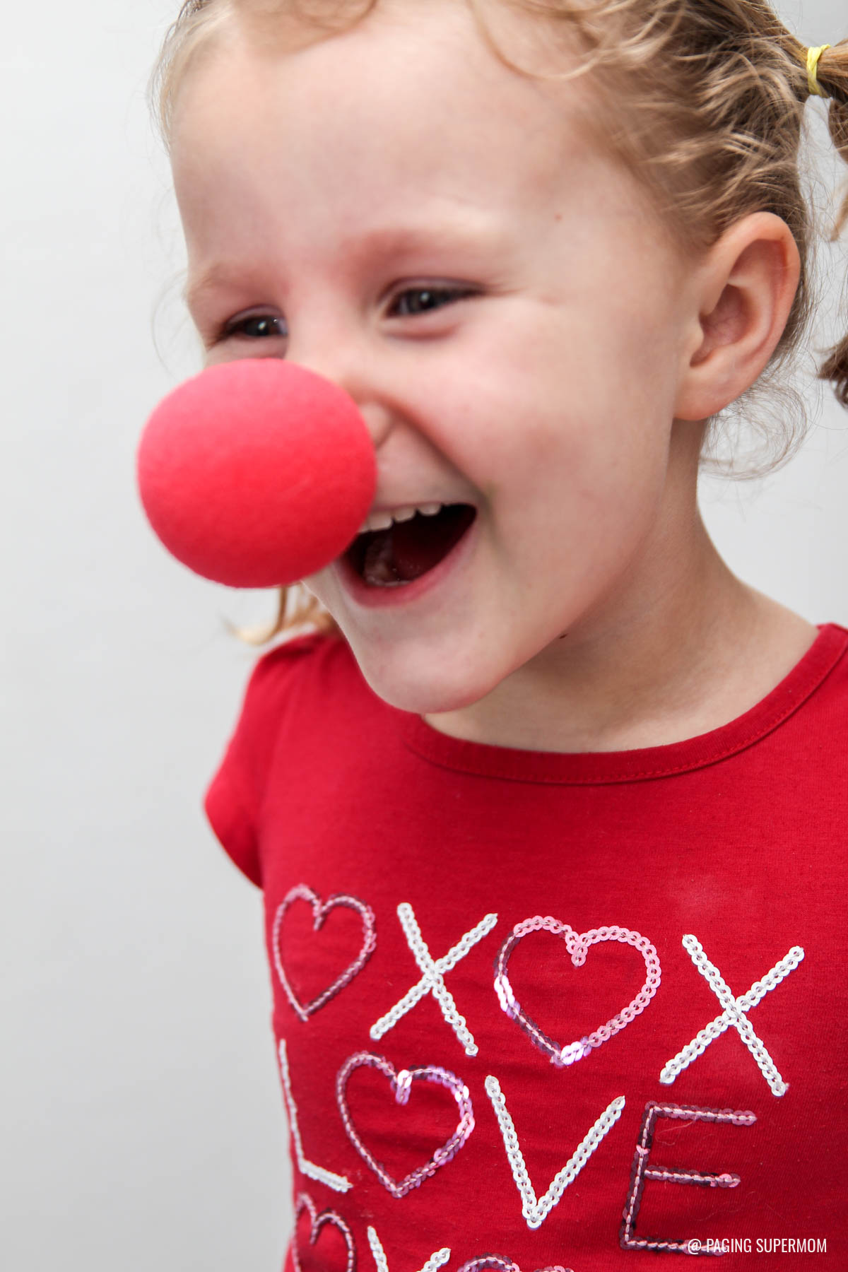 Circus Clown Noses make a Funny Kids Valentine. Get the FREE printable template @PagingSupermom