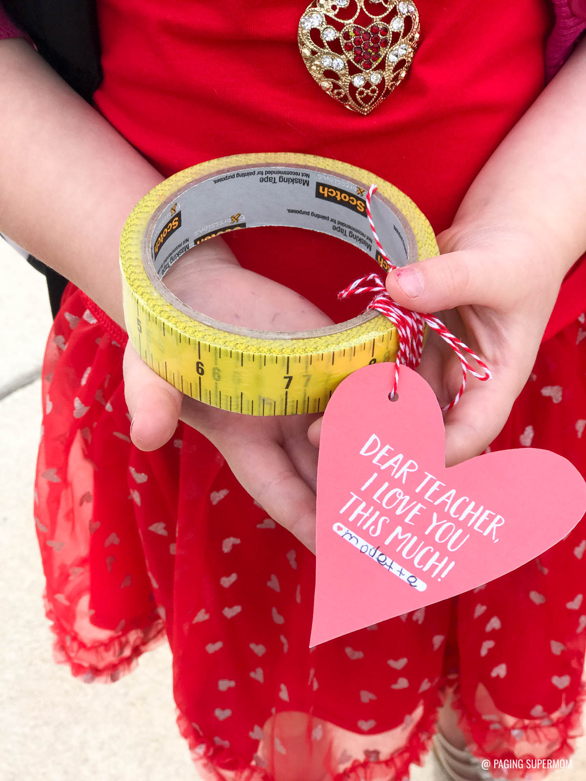 Cute & Simple Valentines Gift for Teachers. Download the FREE template @PagingSupermom