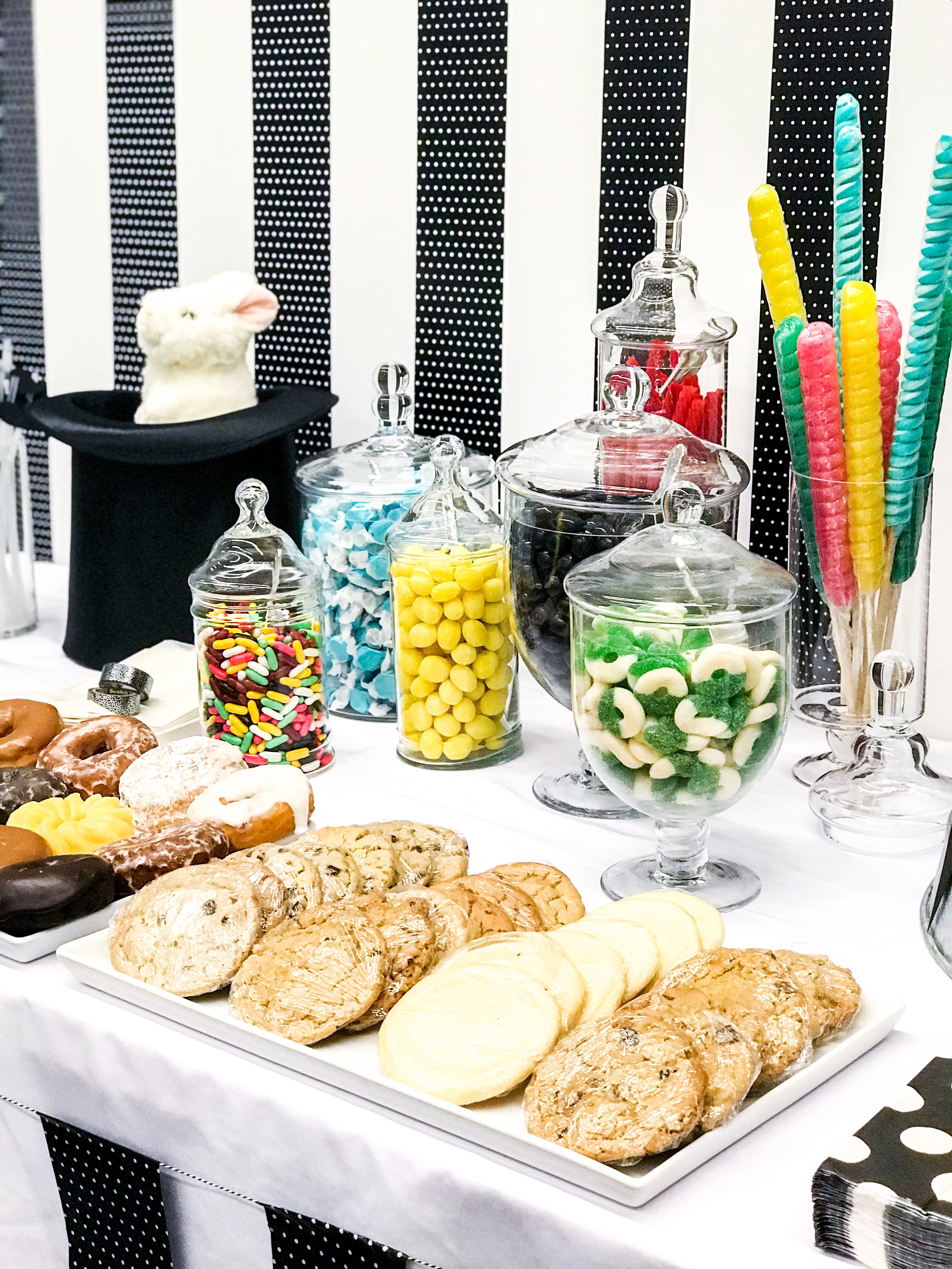 Greatest Showman Party Ideas - Vintage Circus Treats Ideas - Circus Party Food ideas from @pagingsupermom