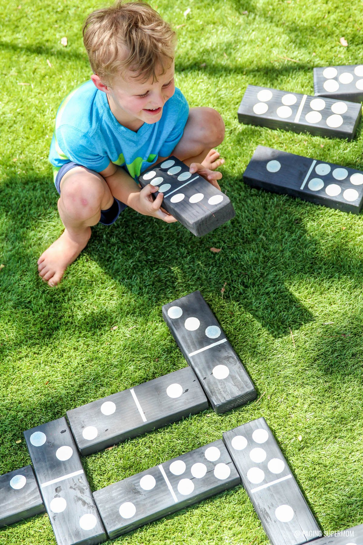 ... Giant Backyard Dominoes   DIY Backyard Games Plans From @HomeDepot Via  @PagingSupermom ...