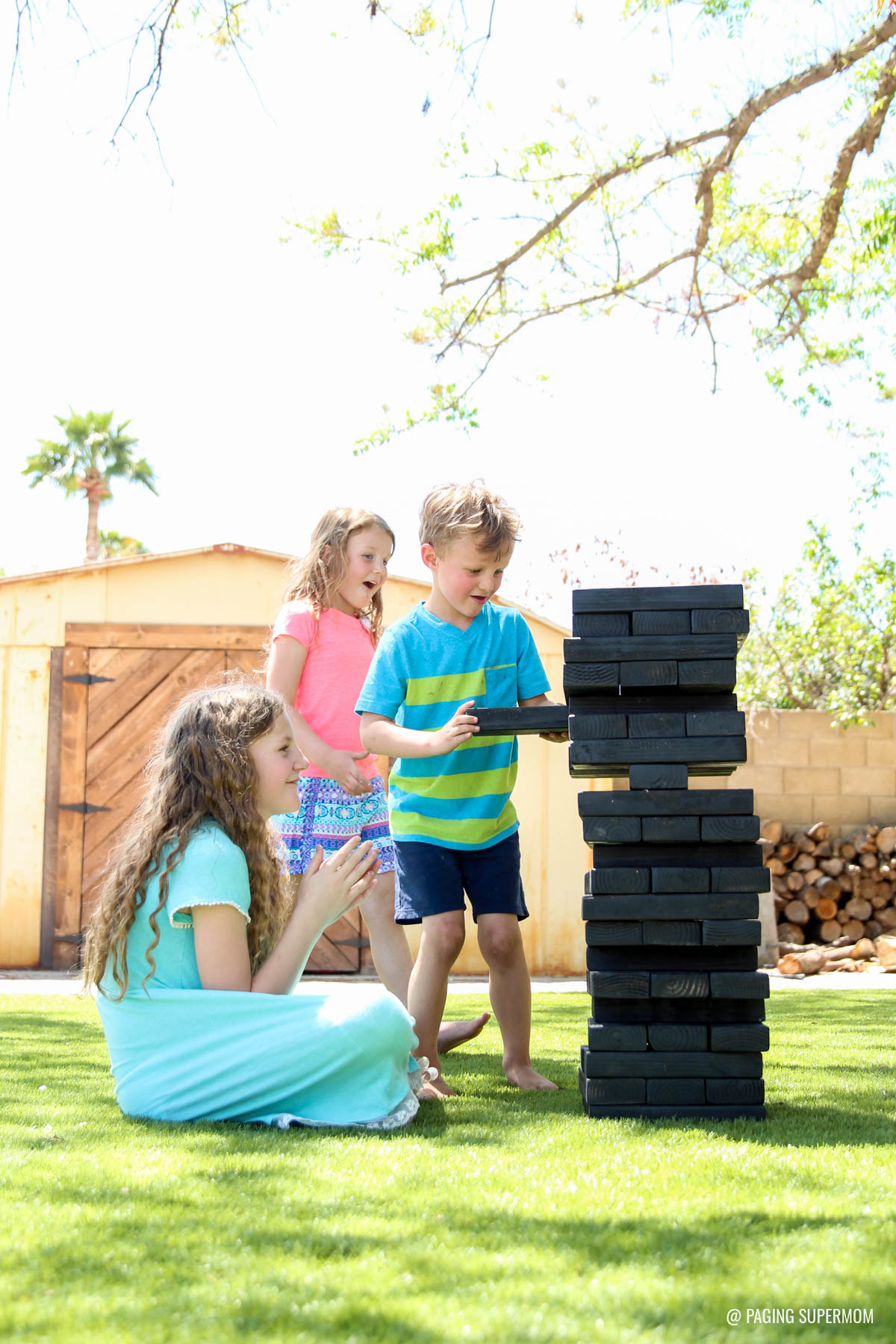 Giant Jenga Game - DIY Backyard Games plans from @HomeDepot via @PagingSupermom