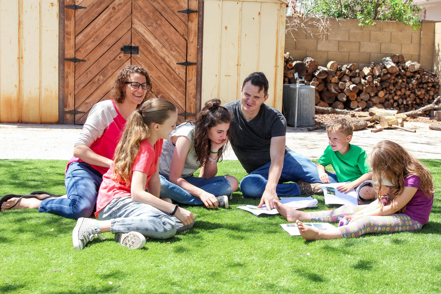 Home Depot Backyard Games - get this free project plan to make as a family via @PagingSupermom