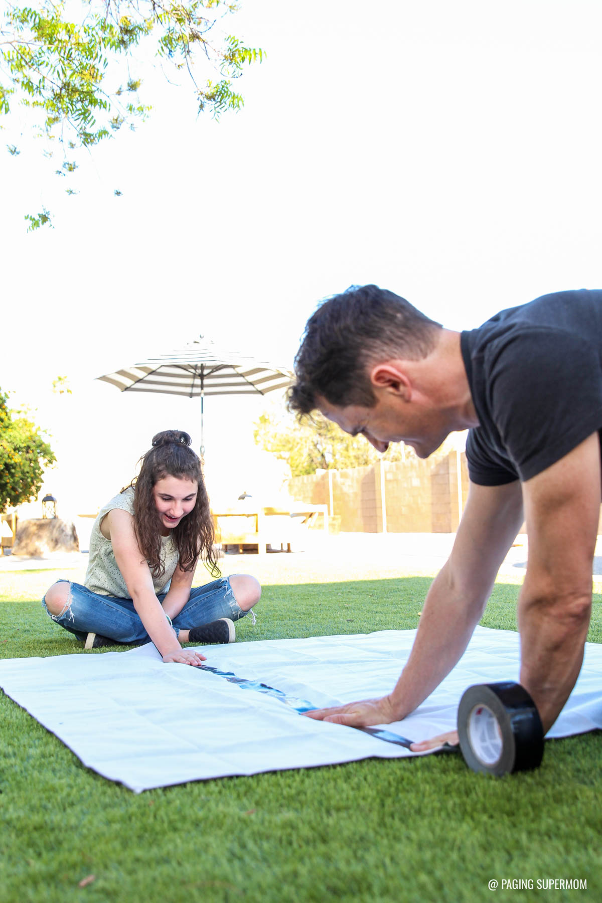 Backyard games how to make yard dominoes ring toss giant jenga taping a giant tic tac toe board diy backyard games plans from solutioingenieria Image collections
