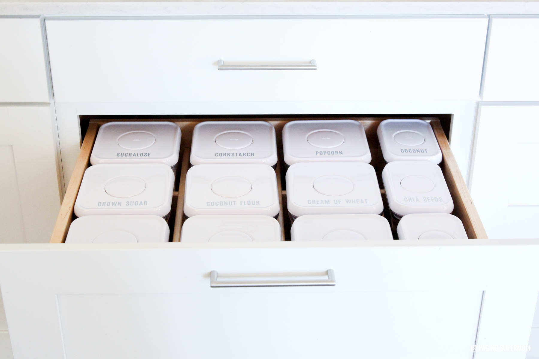 Love this neatly organized kitchen drawer insert from Kraftmaid with DIY Cricut Labels via @PagingSupermom