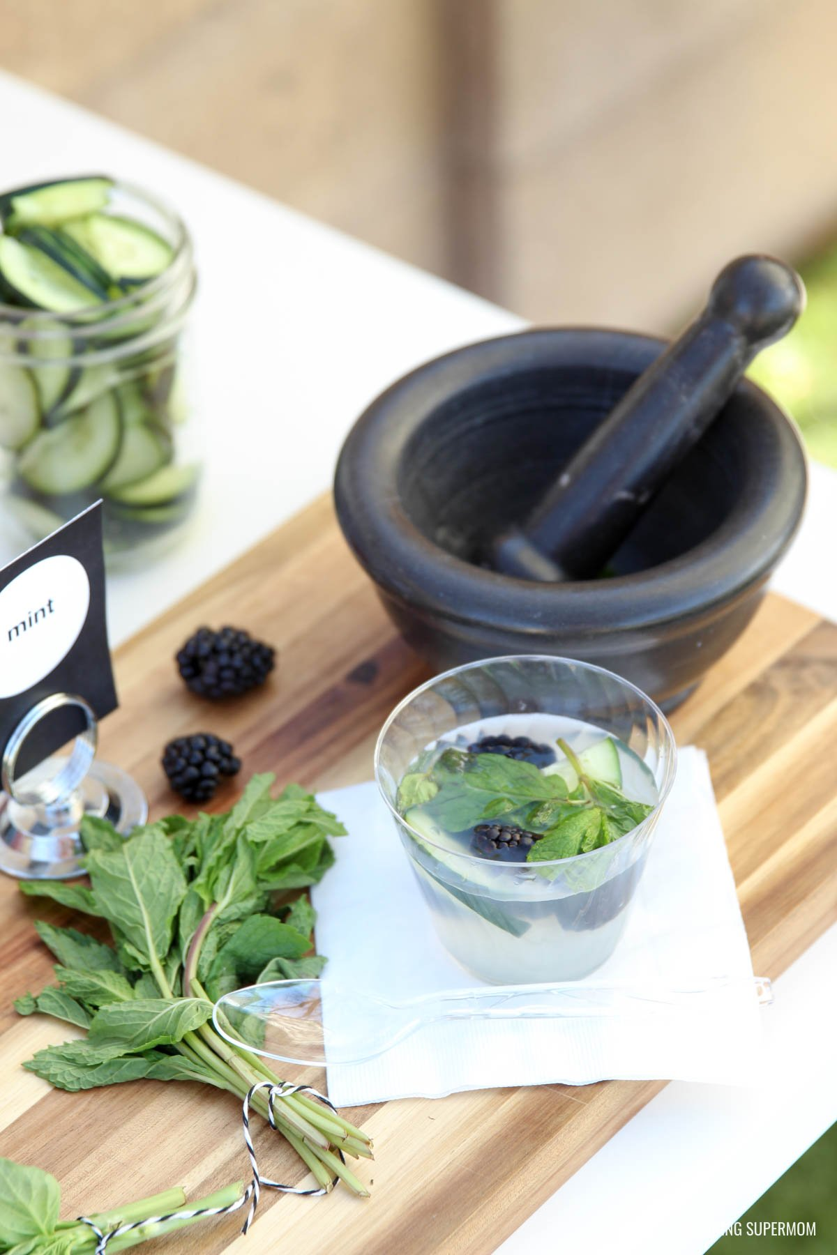 Mix up Blackberry, Cucumber and Mint Lemonade - love this Lemoande Bar idea for a stylish backyard BBQ via @PagingSupermom