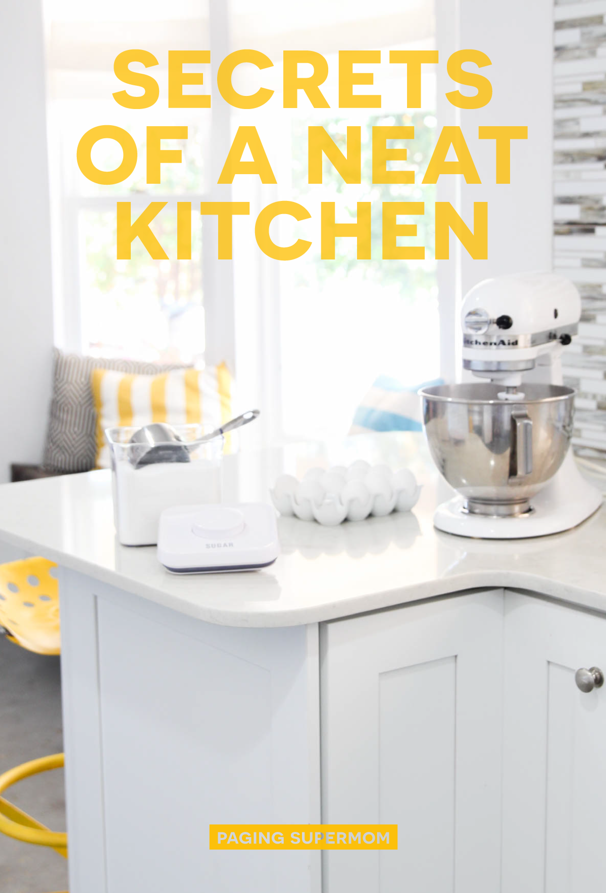 How to Organize Kitchen Drawers #momlife via @PagingSupermom