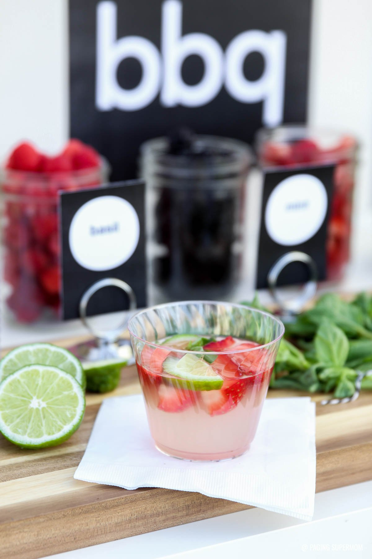 Love this Lemonade Bar - the black & white decor is modern and classy. Great ideas for mixing your own gourmet Lemonade. This Gourmet Strawberry Basil Lemonade looks AMAZING! I love this whole gourmet Lemonade Bar idea -- FREE printables and recipes @PagingSupermom