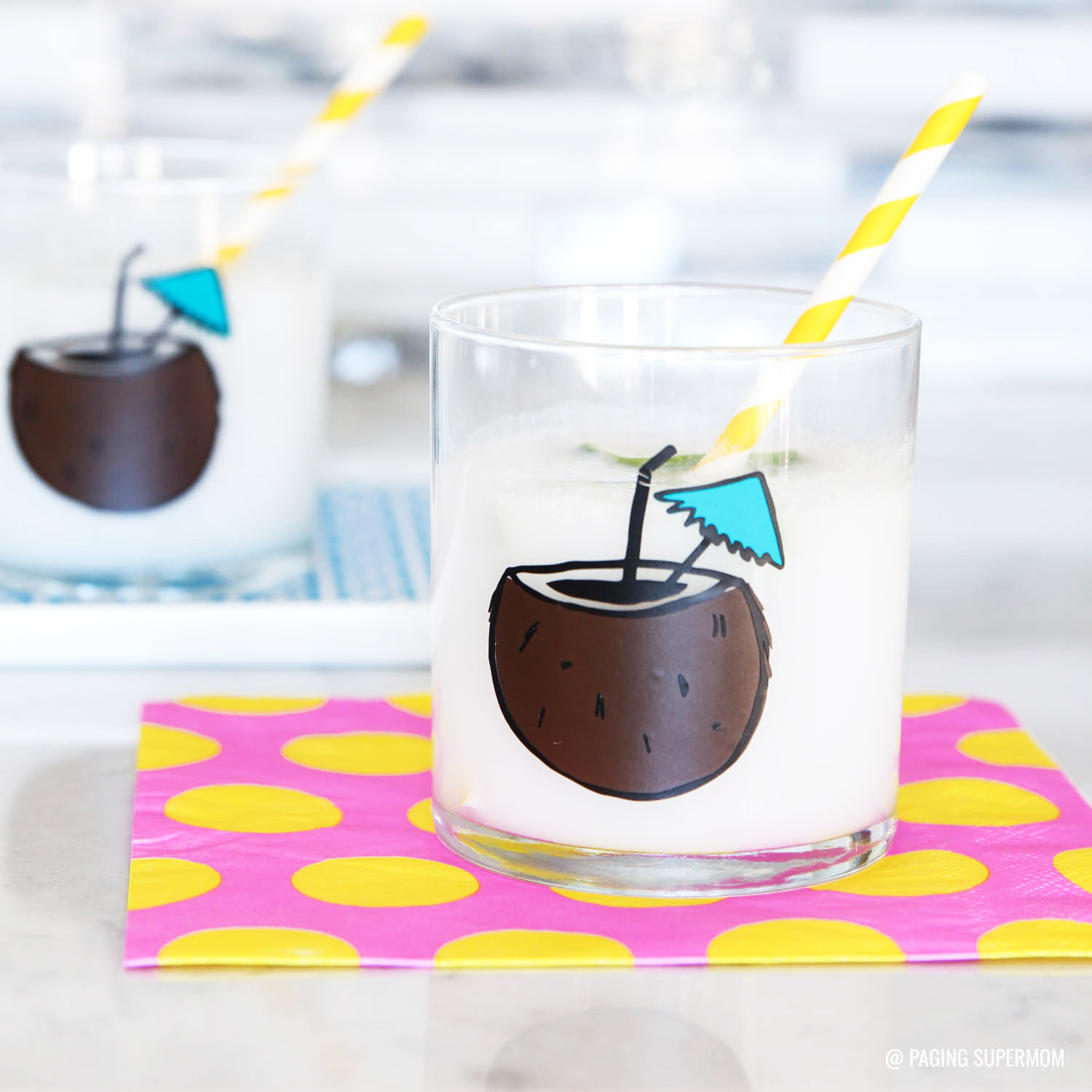 Cute Tropical Coconut Cocktail Tumbler Glasses - easy DIY project with #Cricut vinyl via @PagingSupermom
