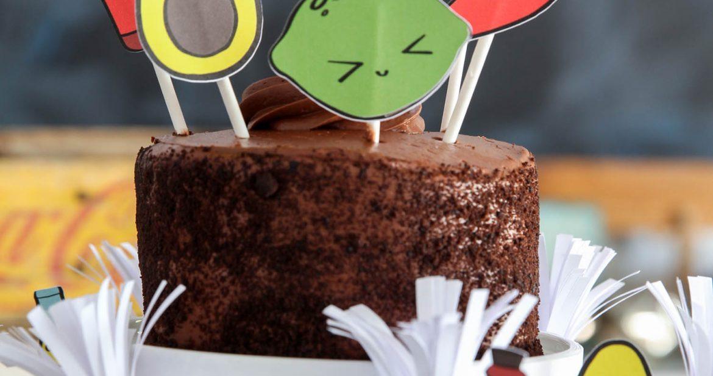 Cinco de Mayo Dessert Ideas - easy print & cut Fiesta Cupcake Toppers via @PagingSupermom
