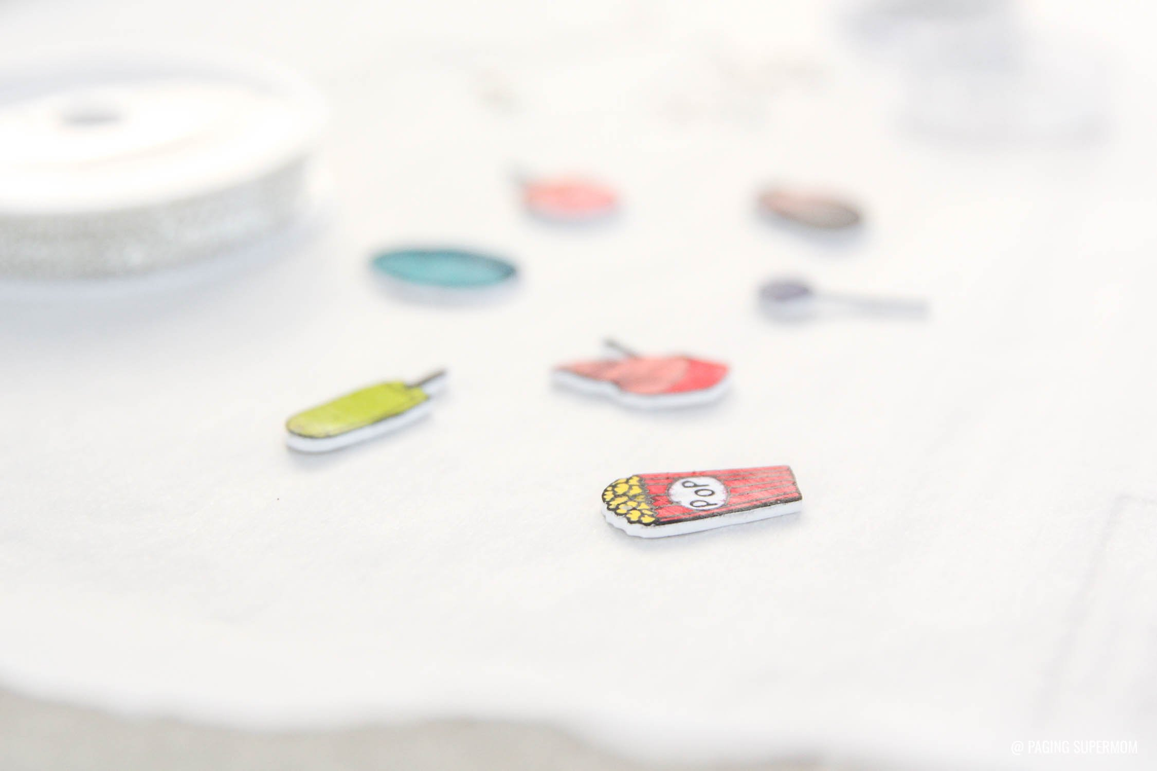 DIY Shrinky Dinks Charms - cut Shrink Film with Cricut