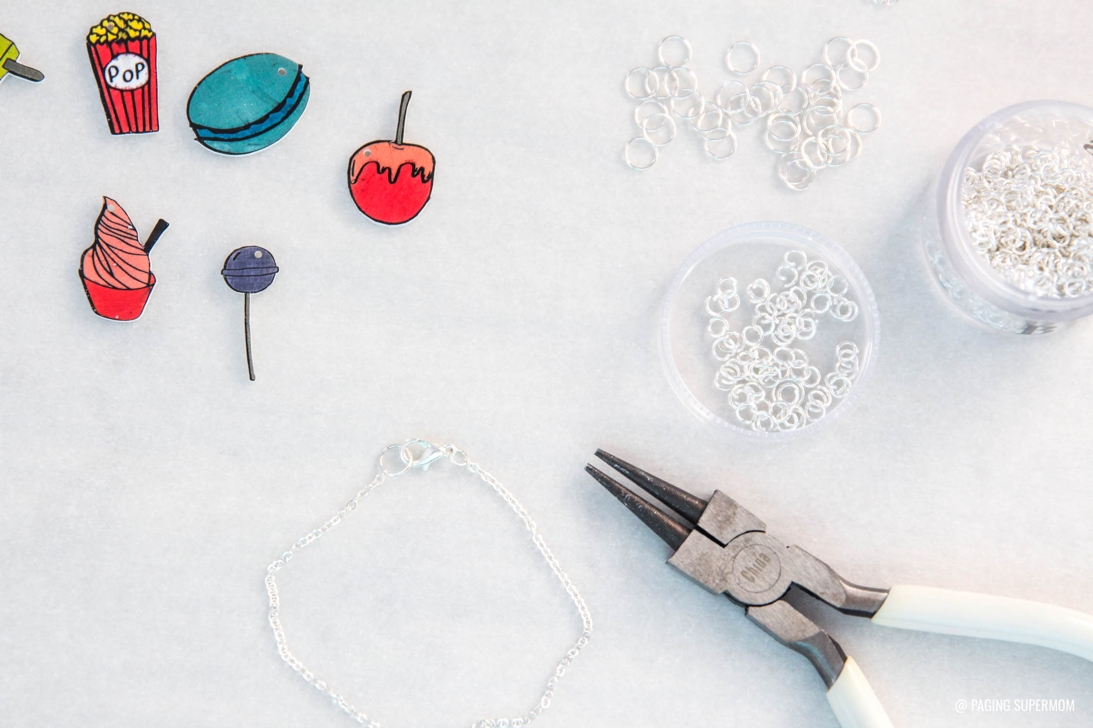 How to Make Shrinky Dinks Charm Bracelet via @PagingSupermom
